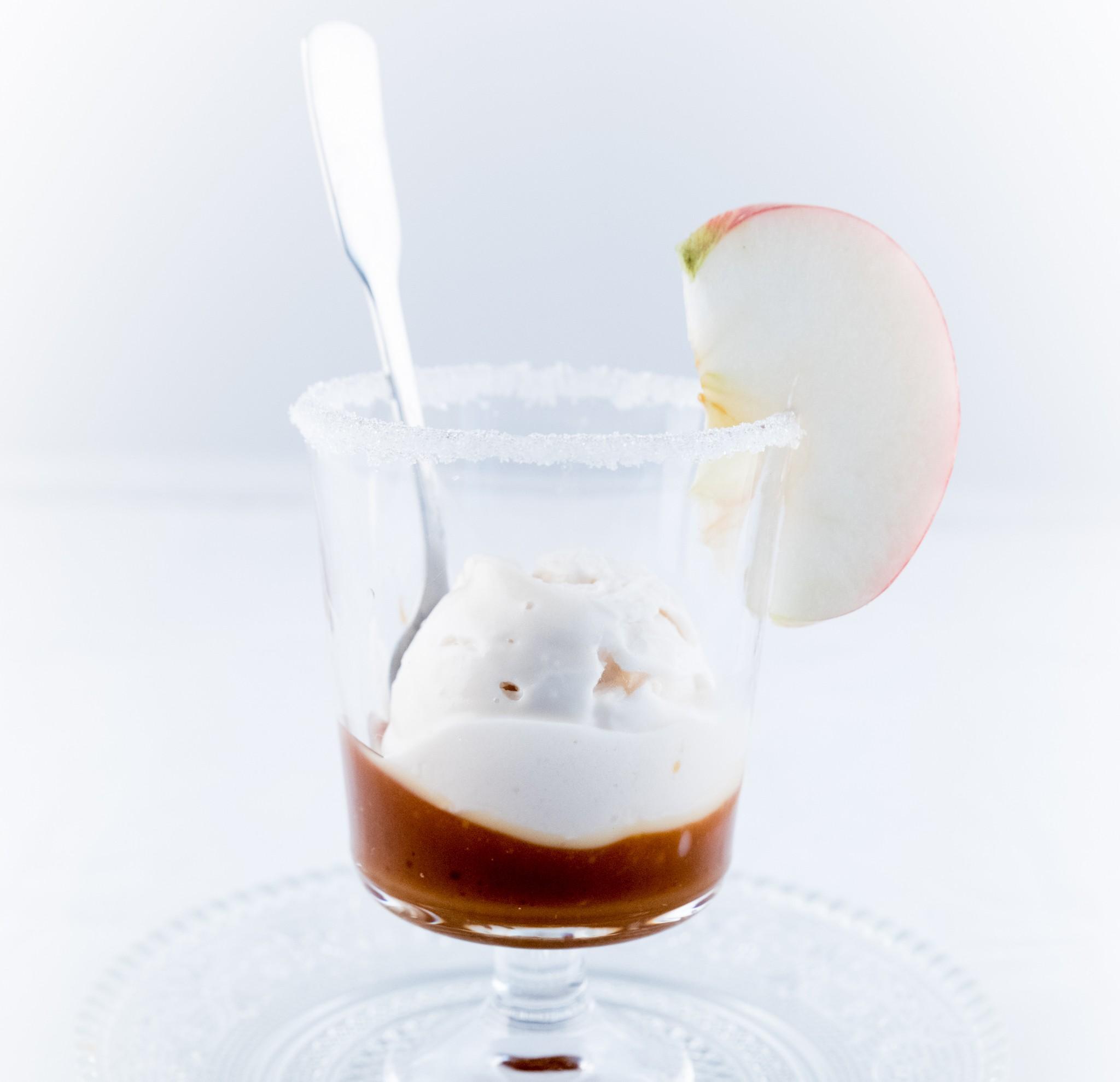 Sorbet Pomme et Poire d'Azay le Rideau sur son lit de Caramel au beurre salé